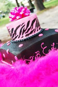 pink-tiger-stripes-cake